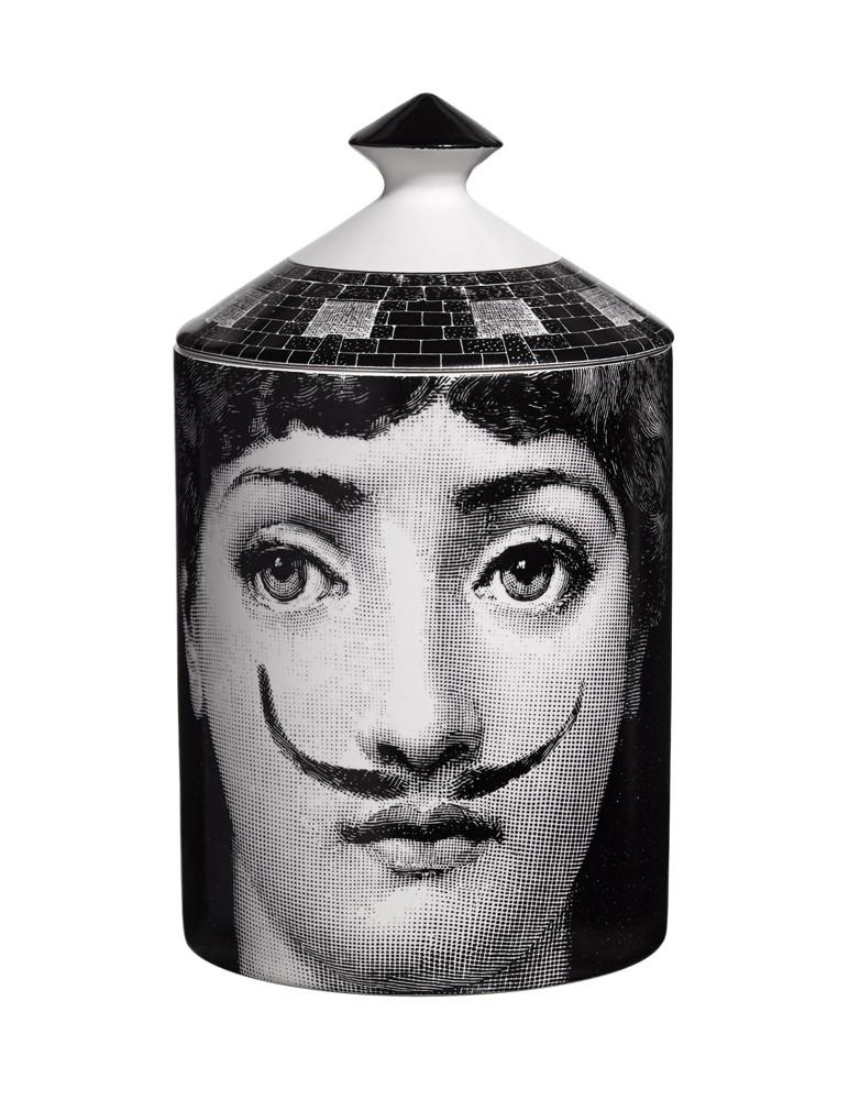 """""""La femme aux moustaches"""" - Vela perfumada"""